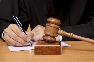 Банк подал в суд на поручителя
