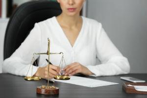 Может ли банк взыскать долг без решения суда