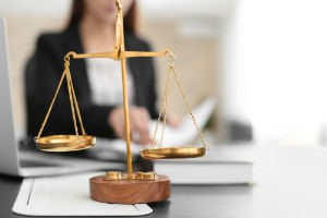 Могут ли коллекторы подать в суд на должника