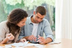 Как разделить долг по коммунальным платежам между прописанными